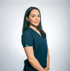 InMotionDentists_Meet the Team_Itzel_Dental-Assistant