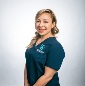 InMotionDentists_Meet the Team_Yvette-Dental_Assistant